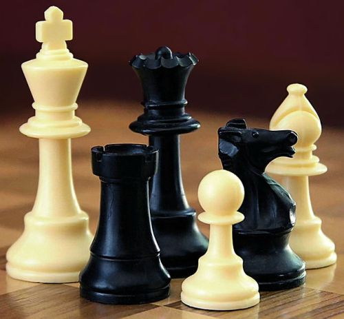 CHESS SET PIECES