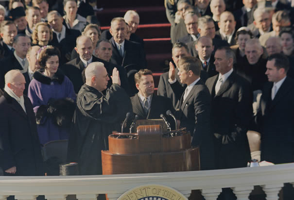 john f kennedy's inaugural address Title: inaugural address, 20 january 1961 description: motion picture of president john f kennedy's inaugural address in washington, dc supreme court chief justice earl warren administers.